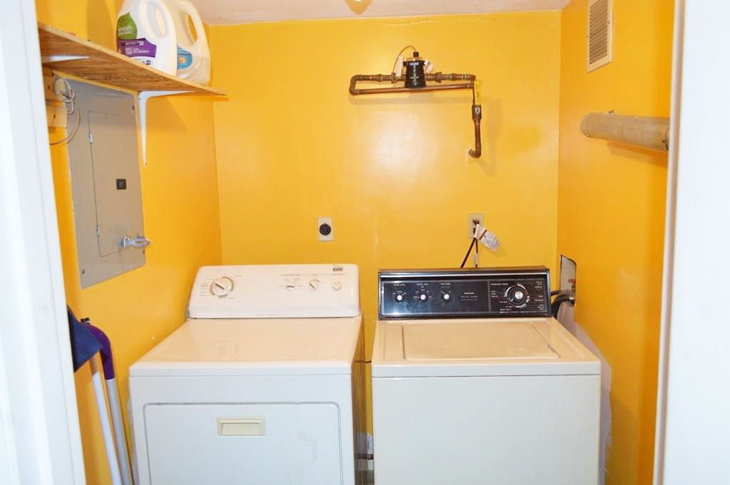 39 Harrison – Unit E, -washer and dryer